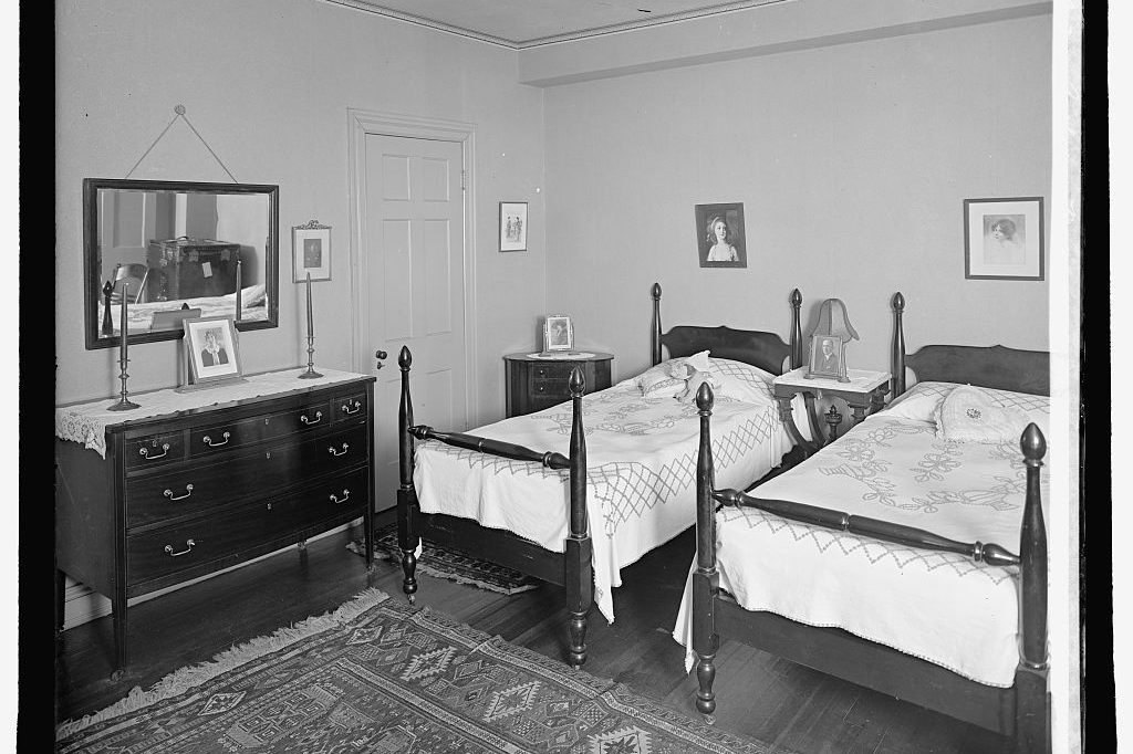 South Cathedral Mansions Interior Bedroom